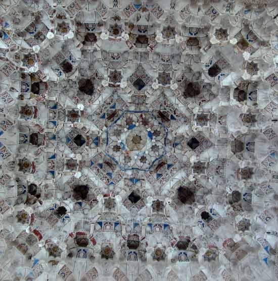 20120323000225-salonalhambra221.jpg