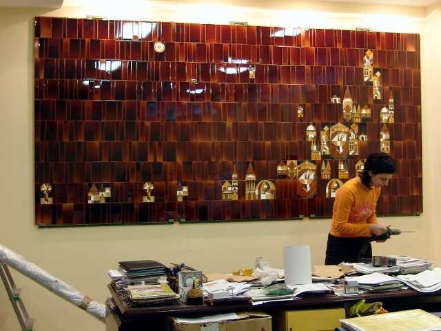 Restauración de mural cerámico del siglo XX.