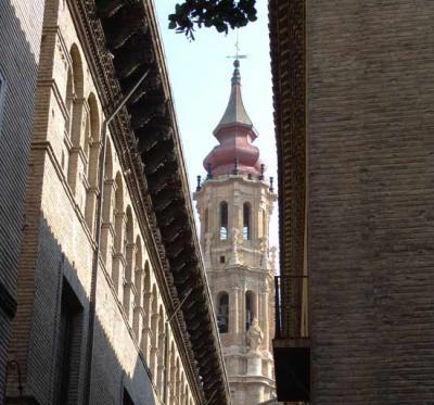 Paseo turístico por Zaragoza.